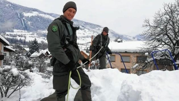Die Osttiroler Hochgebirgsjäger im Schneeräumeinsatz. (Bild: Bundesheer)