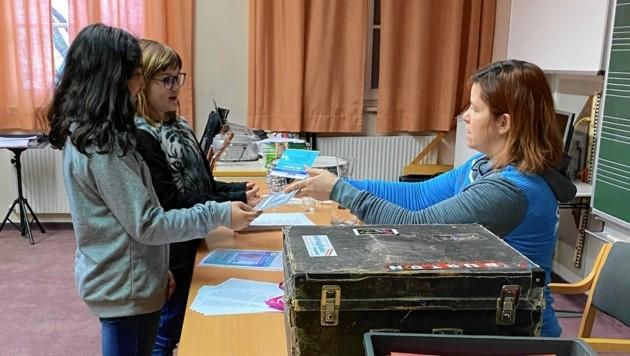 Jede Schülergruppe erhielt ein Startkapital von 20 Euro. (Bild: NMS Egger-Lienz)