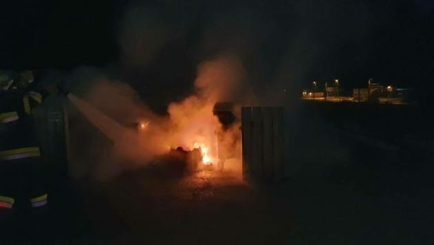 Ein Zufall? Auch in Kraubath brannten diese Woche Müllcontainer. (Bild: FF Kraubath an der Mur)