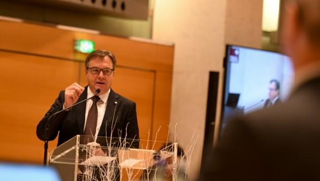 Finanzreferent LH Günther Platter gab einen Überblick über die budgetäre Lage. (Bild: LIEBL Daniel   zeitungsfoto.at)