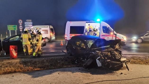 Rettung und Feuerwehr waren bei dem Unfall in Thalgau im Einsatz.