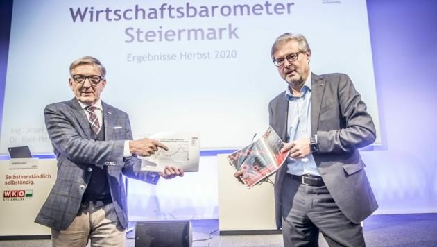 WKO Steiermark Präsident Josef Herk und Direktor Karl-Heinz Dernoscheg präsentieren das neue Wirtschaftsbarometer (Bild: Foto Fischer)