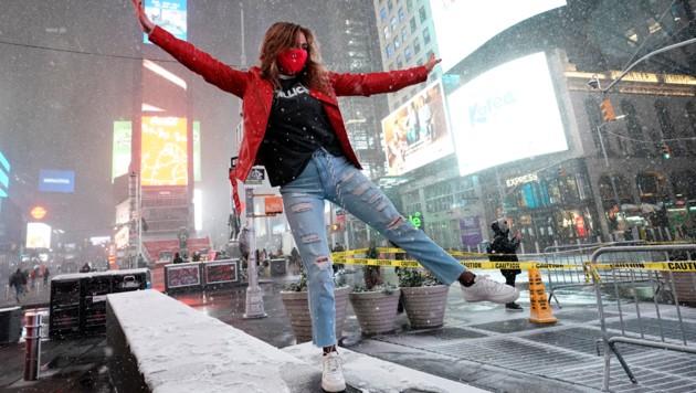 Ein Tänzchen am Times Square (Bild: APA/AFP/TIMOTHY A. CLARY)
