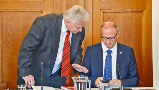 Verfahrensrichter Böhler (links) mit dem Vorsitzenden Anton Mattle. (Bild: Christof Birbaumer Kronenzeitung)