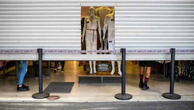 Geschäfte bleiben mindestens noch bis 24. Jänner geschlossen. (Bild: AP)