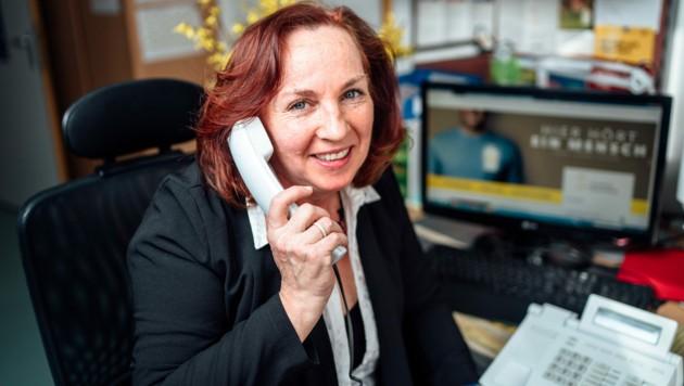 Die Leiterin der Caritas-Telefonseelsorge ist Silvana Fischer.