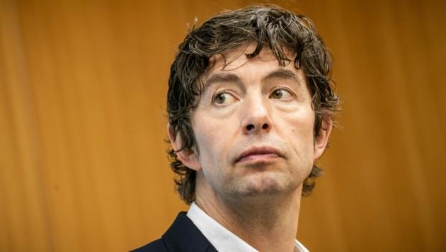 Der deutsche Top-Virologe Christian Drosten ist besorgt wegen der neuen Mutation des Coronavirus. (Bild: APA/AFP/POOL/Michael Kappeler)