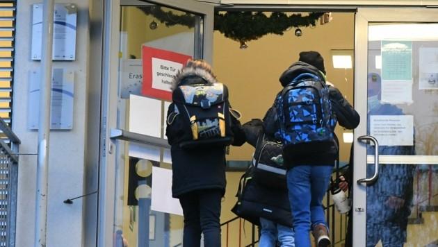 So wie hier in Neusiedl am See gibt es eine Notbetreuung für Kinder, die nicht daheim bleiben können.