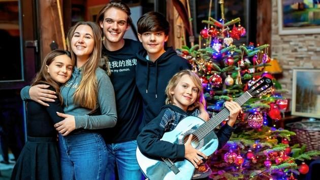 Die jungen Wilden der Familie Lischka feierten heuer schon vorab. (Bild: Imre Antal)