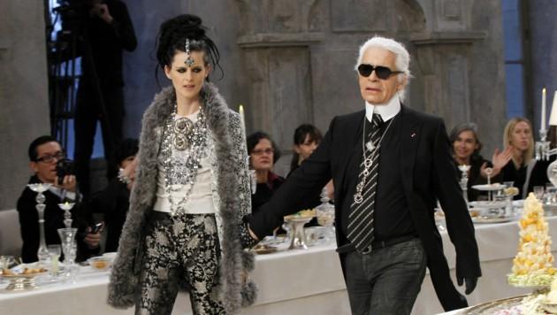 Karl Lagerfeld und Stella Tennant (Bild: APA/AFP)
