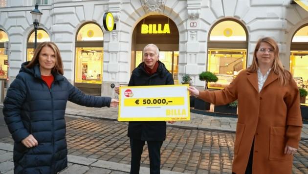 """""""Krone""""-Ombudsfrau Barbara Stöckl, Caritas-Präsident Michael Landau und Elke Wilgmann (re.), Vorstand BILLA Merkur Österreich"""