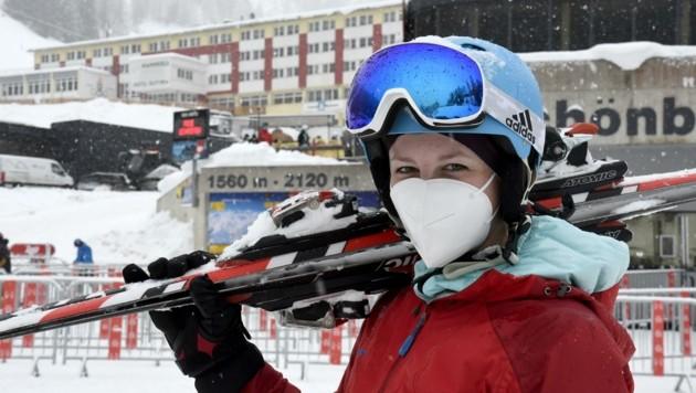 Laura Kogler hat kein Problem mit Maske (Bild: Andreas Fischer)