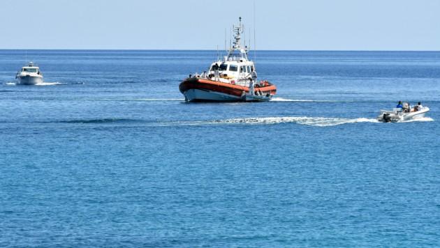 Die italienische Küstenwache rettet immer wieder Flüchtlinge, die sich von Tunesien aus auf den gefährlichen Weg über das Mittelmeer wagen.