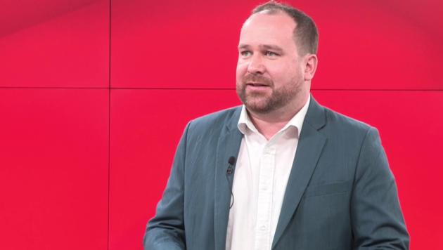 Politik-Analyst und Meinungsforscher Christoph Haselmayer (Bild: krone.tv)