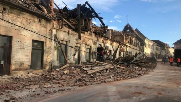 Schwere Schäden in Petrinja (Bild: The Associated Press)