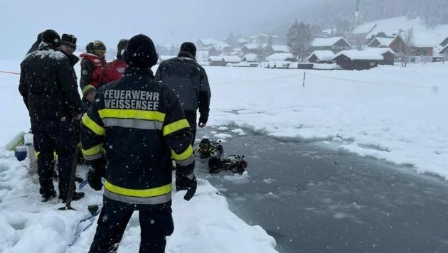 Der Weißensee, in den in dieser Saison bereits Eismeister Norbert Jank eingebrochen ist, ist derzeit wieder für den Eislauf gesperrt (Bild: Stefan Valthe/FF Weißensee)