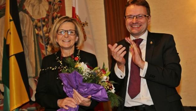 Bereits am 2. Jänner übergab Hannes Heide in Bad Ischl das Amt an seine Partnerin Ines Schiller. (Bild: Hörmandinger Reinhard)