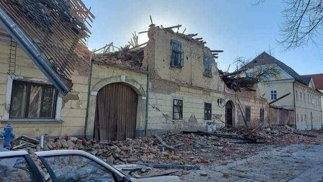 Die aktuellen Bilder aus Sisak erinnern an die Schäden nach dem Jugoslawien-Krieg. (Bild: Schulter Christian)