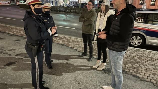 Die Polizei zeigte – so wie hier in Oberwart – überall Präsenz. (Bild: Schulter Christian)