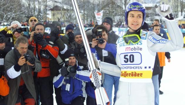 Sven Hannawald konnte als letzter Deutscher am 6. Jänner 2002 in Bischofshofen den Gesamtsieg bei der Vierschanzentournee holen. (Bild: REUTERS)