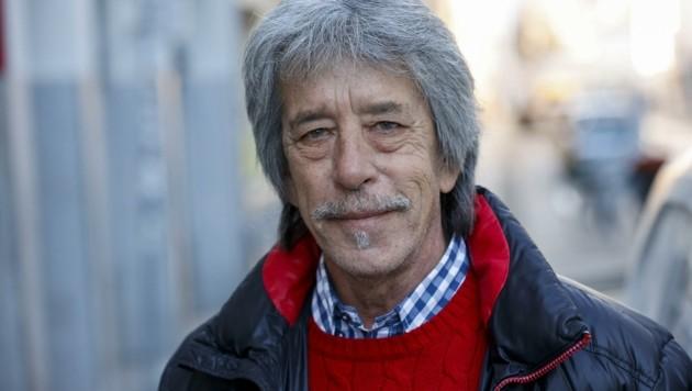 """Peter Fuchs kennt die Branche genau: Seit 35 Jahren ist er im Wäscherei-Geschäft in Salzburg aktiv. Seine zehn Mitarbeiter sind derzeit in Kurzarbeit. """"Die Lage ist für die Branche insgesamt bedrohlich"""", sagt Fuchs. (Bild: Tschepp Markus)"""
