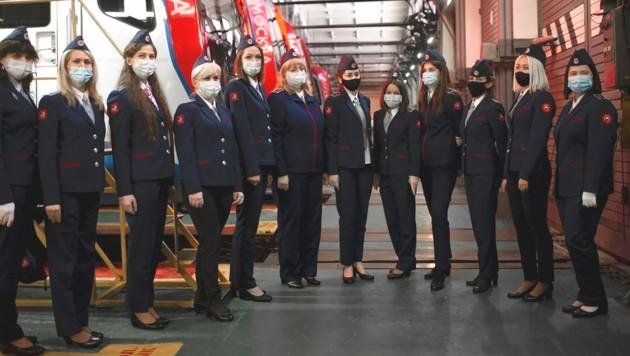 Das sind die ersten Frauen, die in Moskau U-Bahnen fahren dürfen.