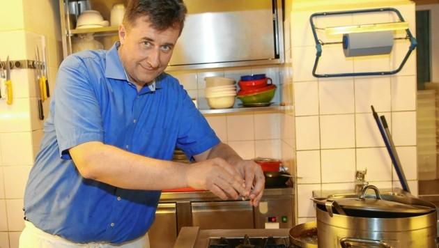 Der Wiener Traditionswirt Herbert Hausmair hat wie viele Gastronomen und Hoteliers das ständige Hin und Her satt und kocht vor Wut. (Bild: Peter Tomschi)