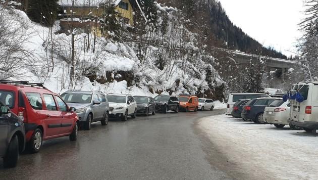 Auf den Straßen und Parkplätzen in Zederhaus kommt es oft zu chaotischen Zuständen. (Bild: zVg)