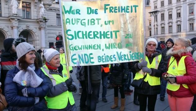 Zur Corona-Demo am 26.12. in Graz kamen 1500 Personen, um ihren Unmut kundzutun
