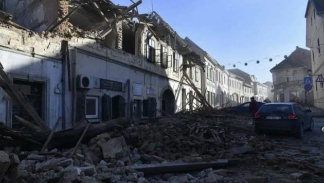 Ganze Städte liegen in Trümmern. Die Situation für die betroffenen Familien ist dramatisch. (Bild: Schulter Christian)