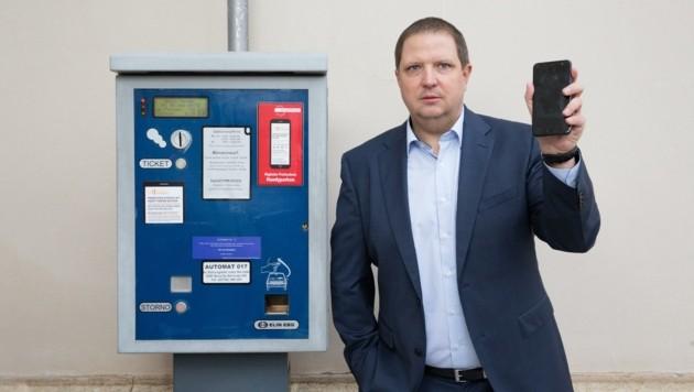 Eine Handy-App als interaktiven Begleiter, der etwa auch zum nächsten Parkautomat führt, fordert Mario Burger.