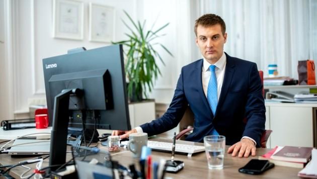 """""""Ab März wird die Arbeitslosigkeit sinken"""", erklärt Hergovich"""