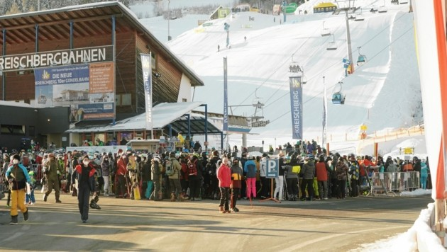 Massenandrang auf den Pisten - aber Hotels und Lokale bleiben zu. (Bild: Sepp Pail)