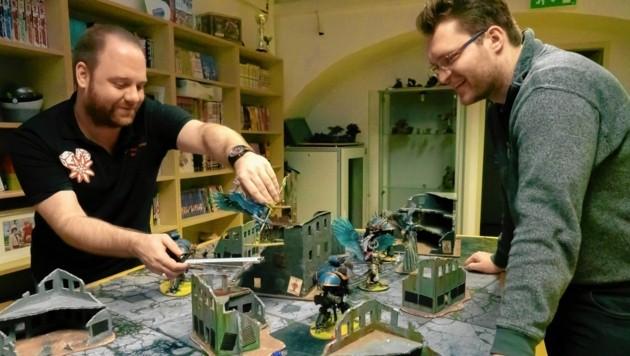 """Bei """"Warhammer 40k"""" muss jeder Zug wohl überlegt sein, da ein Fehler fatale Folgen haben kann. Eine Partie kann Stunden dauern. (Bild: Dorian Wiedergut)"""