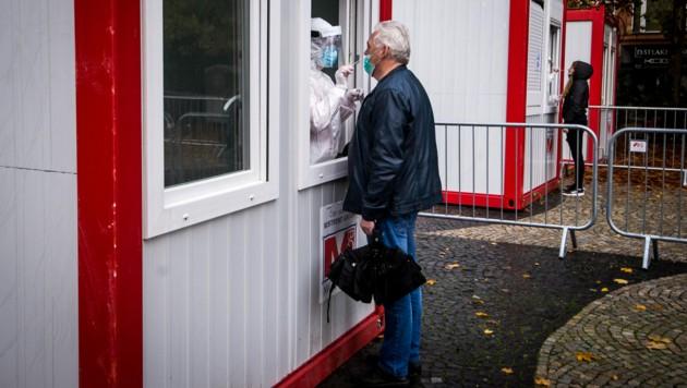 Massentests in Bratislava (Bild: AFP)