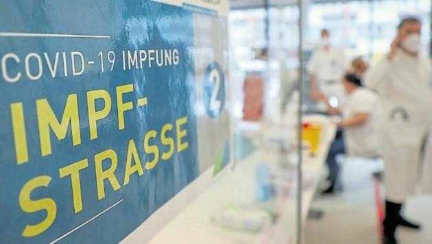 Im Tauernklinikum standen vergangene Woche insgesamt 179 Dosen Impfstoff zur Verfügung. (Bild: Land Salzburg/Franz Neumayr)