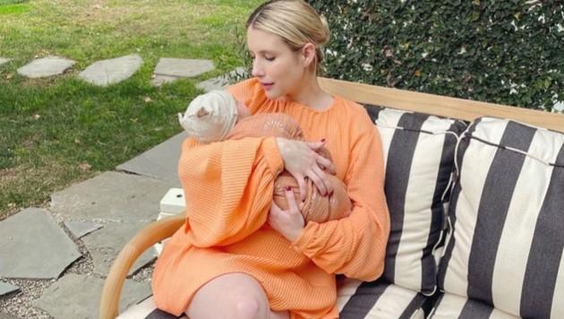Emma Roberts zeigt zum ersten Mal ihr Söhnchen Rhodes. (Bild: instagram.com/emmaroberts)