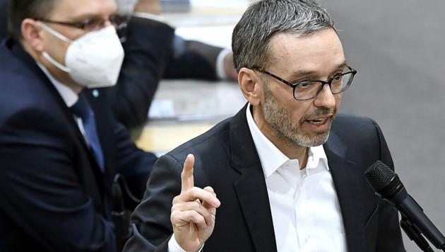 FPÖ-Klubobmann Herbert Kickl attestierte dem Gesundheitsminister wiederholt amtsmissbräuchliches Vorgehen. (Bild: APA/Robert Jäger)