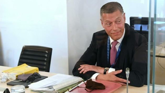 Der suspendierte Justiz-Sektionschef Christian Pilnacek bleibt weiterhin suspendiert. (Bild: APA/Helmut Fohringer)