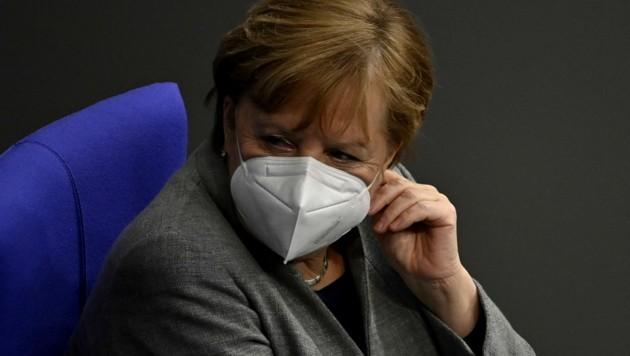 Merkel sieht keine Alternative, als die Corona-Krise mit strikten Regeln einzudämmen. (Bild: AFP )