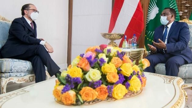 Außenminister Schallenberg mit Amtskollege Mekonnen (Bild: Michael Gruber)