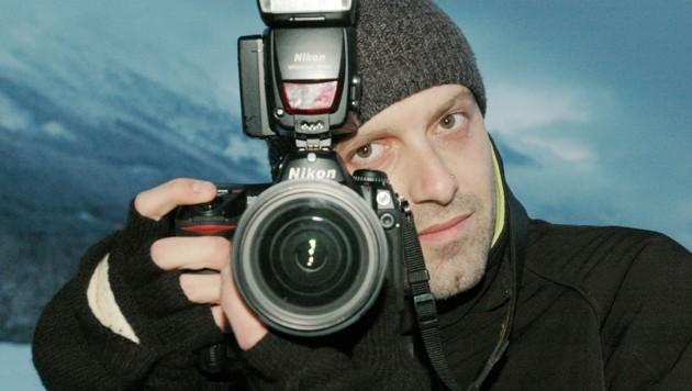 Bevor die Schriftstellerei seine Hauptbetätigung wurde, arbeitete Aichner als Pressefotograf. (Bild: Fotowerk Aichner)