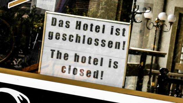 Ganz wesentlich verantwortlich für den enormen Einbruch ist die starke Abhängigkeit vom Tourismus im Land. (Bild: stock.adobe.com)