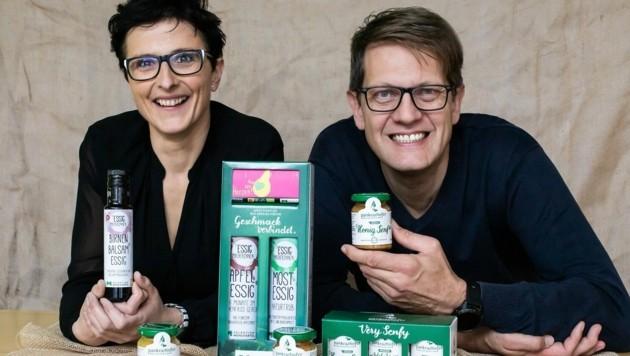 Stellen ihre Verpackungen auf den Prüfstand: Eva und Norbert Eder von Pankrazhofer. (Bild: Pankrazhofer/Pia Paulinec)