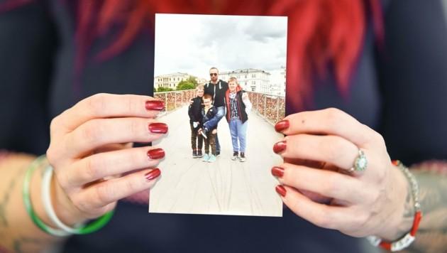 Ein Bild aus glücklichen Zeiten: Daniel D. mit seinen Söhnen. (Bild: Wenzel Markus)