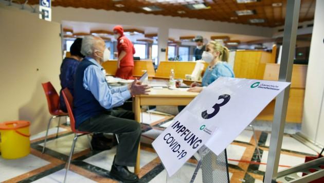 1800 Seniorinnen und Senioren werden an diesem Wochenende geimpft. (Bild: LPD Kärnten/fritzpress)