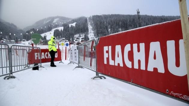 Sperrgitter: Normalität im Weltcup im Corona-Winter, auch in Flachau. (Bild: Tröster Andreas)