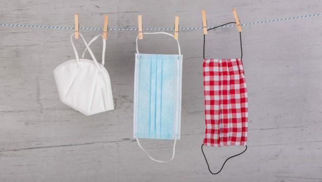 Von links nach rechts: FFP2-, Einweg- und wiederverwendbare Stoffmaske. (Bild: Stockhausen/stock.adobe.com)