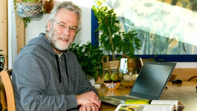 Von Wikipedia fasziniert - und ein überaus fleißiger Mitarbeiter: Jurist Anton Schäfer. (Bild: Mathis Fotografie)