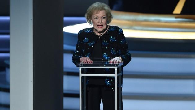 Betty White 2018 bei den Emmy Awards (Bild: AFP )